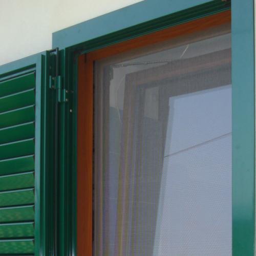 Esempio di persiana orientabile in alluminio a Roma
